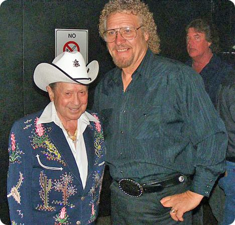 Little Jimmy Dickens and Donnie 'Drop' Watson backstage at The Grand Ole Opry in Nashville on Friday 15 May 2009