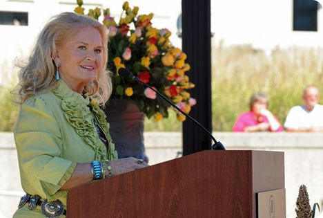 Lynn Anderson (Friday 26 September 1947 - Thursday 30 July 2015)
